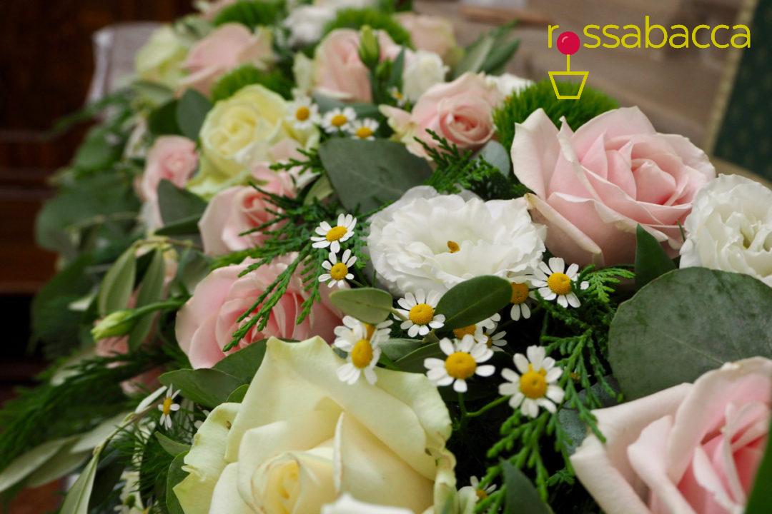 Bouquet Sposa Rosa Quarzo.Rosa Quarzo Eucalipto Per Un Matrimonio Da Sogno Rossabacca