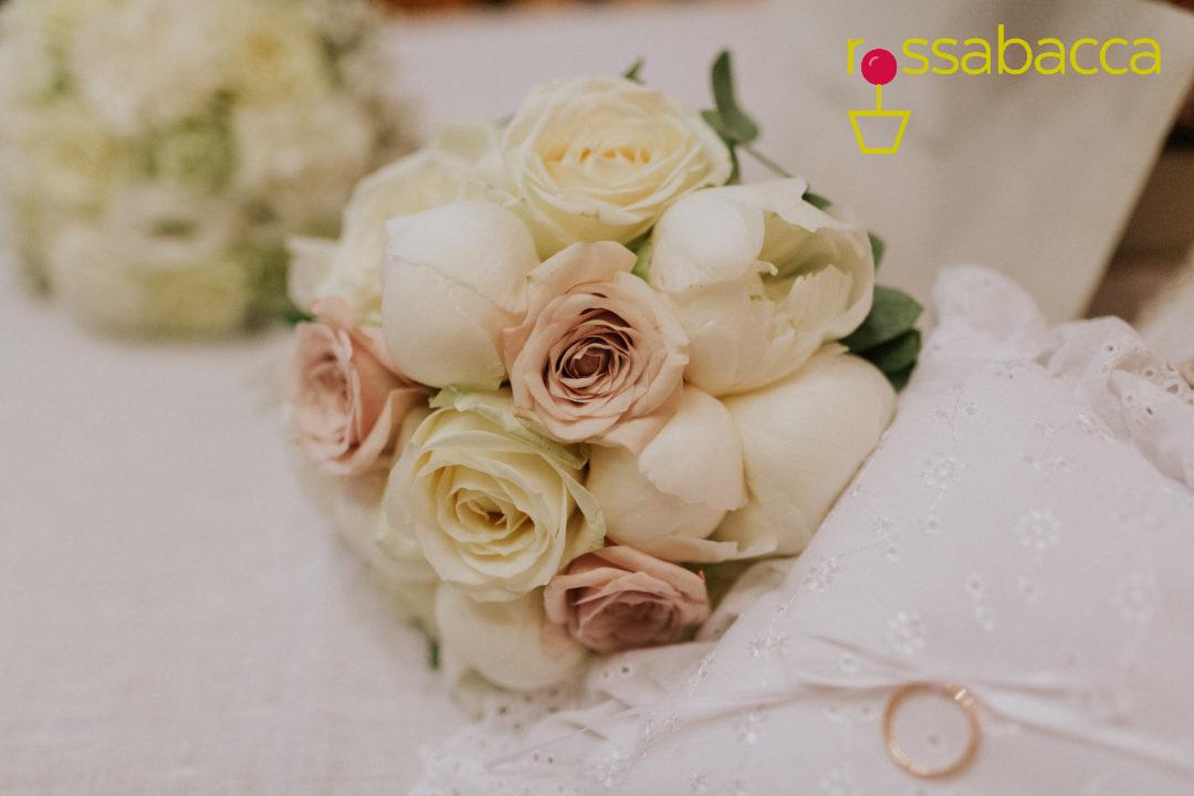 Tema Matrimonio Rosa Quarzo : Rose e peonie per il matrimonio di elisabetta & nikol u2013 rossabacca